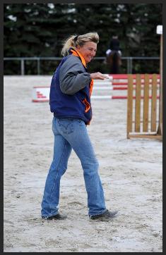Anne hat sich voll und ganz den Pferden verschrieben